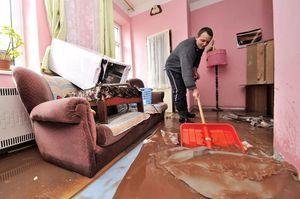 Квартиранты затопили соседей: кто должен платить, кто возмещает ущерб, что делать, кто отвечает