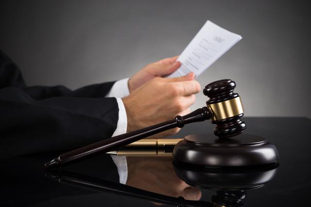Как выписать человека из квартиры через суд, принудительная выписка из квартиры через суд