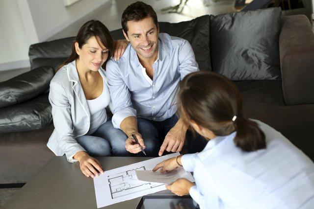 Договор купли-продажи квартиры между близкими родственниками