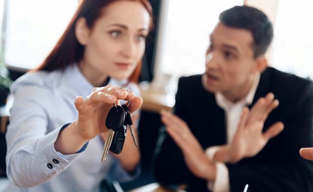 Как при разводе оставить машину себе