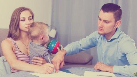 Можно ли развестись, если ребенку нет 1 года в России - как подать на развод с маленьким, грудным, новорожденным ребенком