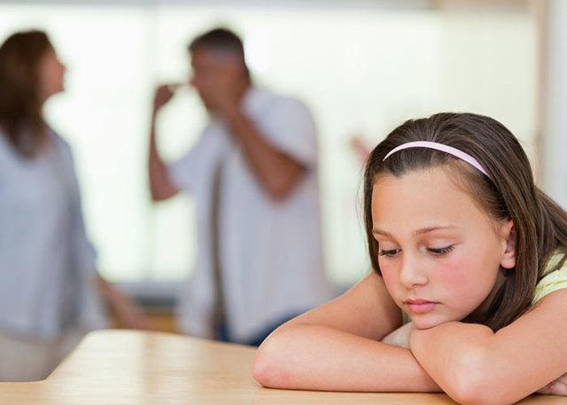 Платит ли алименты отец, лишенный родительских прав