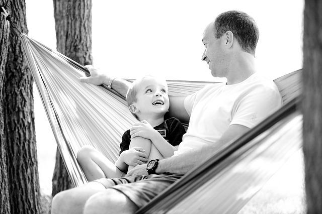 В каком случае ребенка могут оставить с отцом при разводе