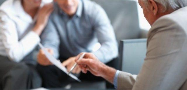 Должны ли родственники выплачивать кредит за должника, отвечают ли родственники за долги по кредиту
