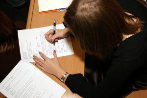 Смена фамилии на девичью после развода через суд - как вернуть девичью фамилию после развода - можно ли поменять фамилию после развода.
